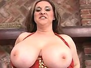 Plumper shows huge boobs