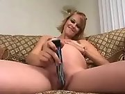 Pretty pregnant babe itches for sex