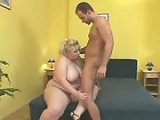Fat blonde w big tits sucks n fucks