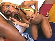 Cheeky brown sista throats meaty ramrod on knees