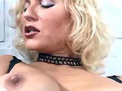 Sexy blond lezzie satisfies herself